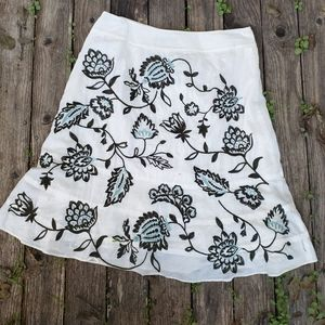 Ann Taylor 6P Embroidered Floral A line Skirt